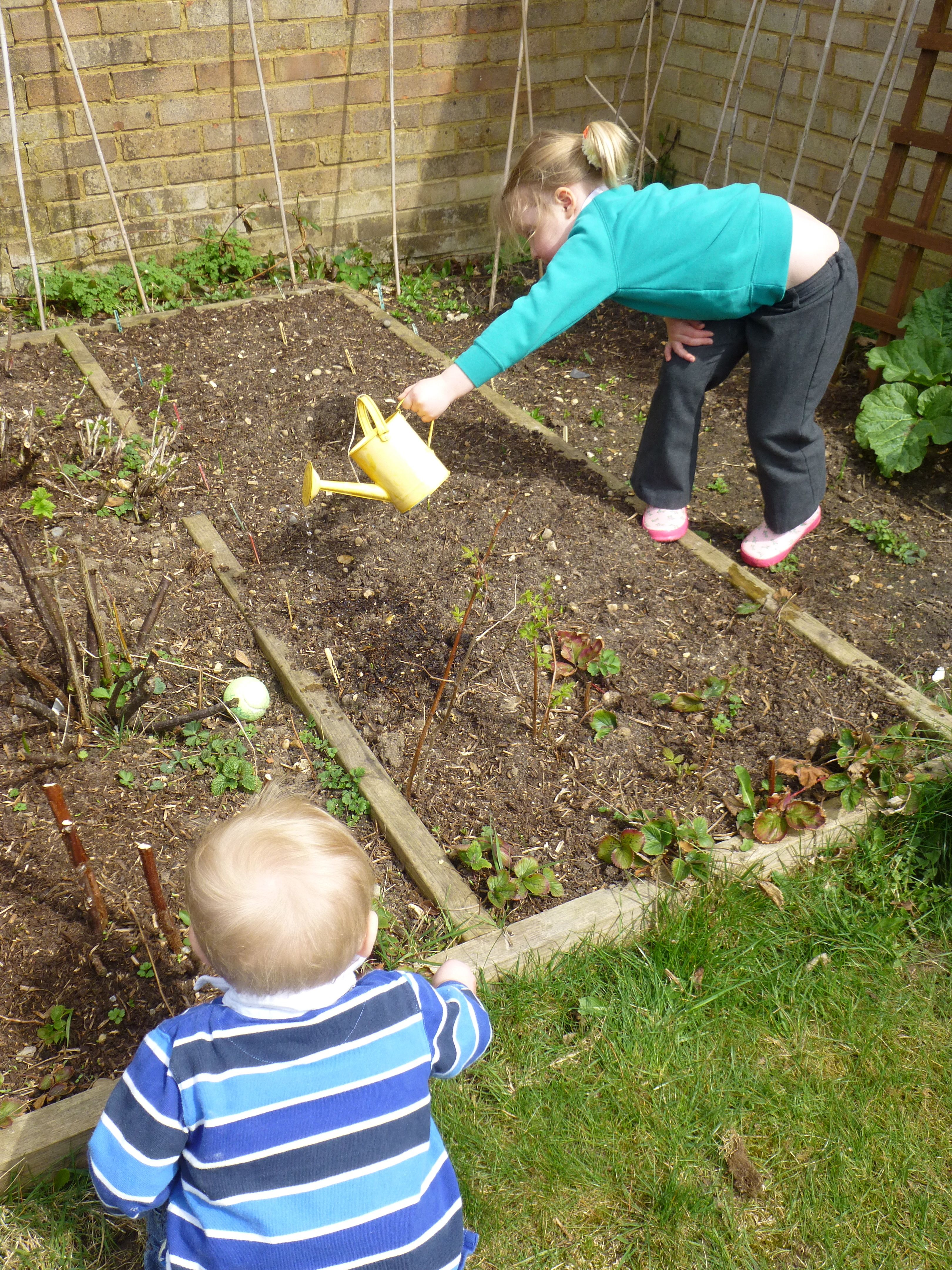 Gardening with Kids Yeo Valley Supporting British Family Far ...