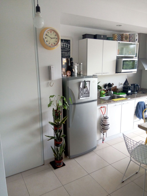 Un apartamento de soltero con mucho diy interiores de for Diseno de apartamento de soltero