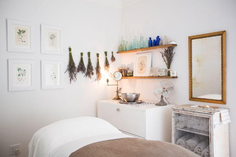 Www Skinremedysf Com We Love Lavender Spa Skincare Spa Room Decor Esthetician Room Decor Esthetics Room