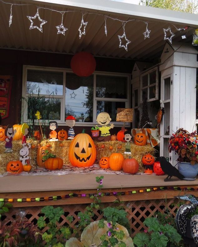 It S The Great Pumpkin Patch Charlie Brown With Images Pumpkin Patch Decoration The Great Pumpkin Patch Pumpkin Porch Decor