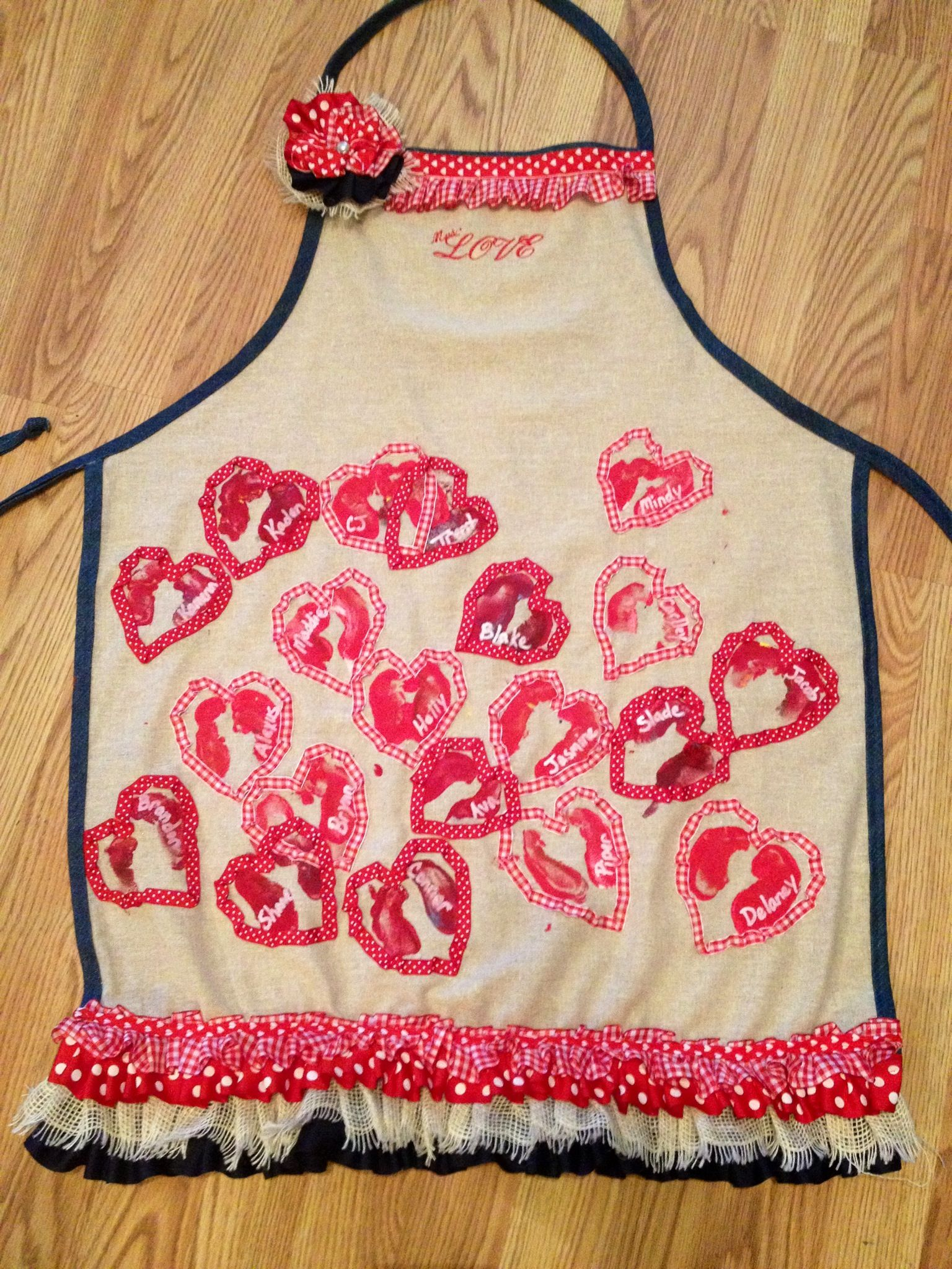 Valentine Teacher Apron!  Even cuter in person!!!  The kids are ALWAYS so proud of these aprons!