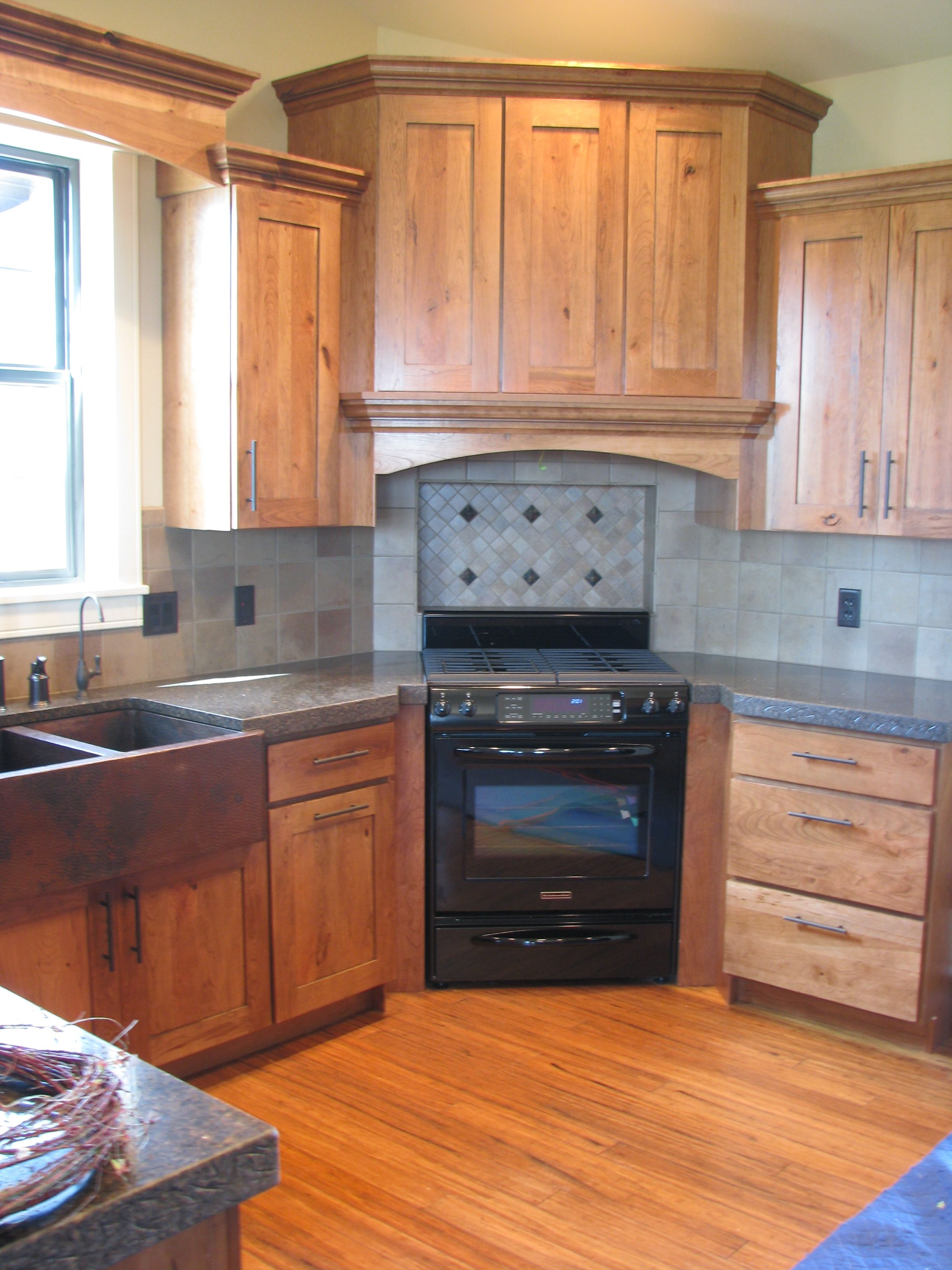 Crown Cabinets Bigcreek Knotty Cherry Natural | Rustic ...