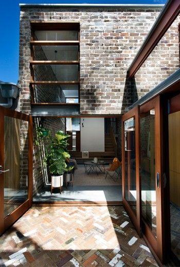 The Walter Street Terrace Is Situated On A Tight Urban Block In Bondi  Junction, The Architect Was Brought On Board To Make Sure The Heavily  Constrained Site ...
