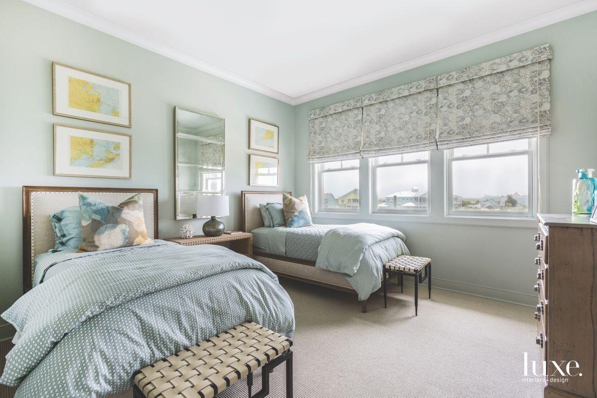 Best Sherwin Williams Sea Salt In 2019 Coastal Bedrooms 400 x 300