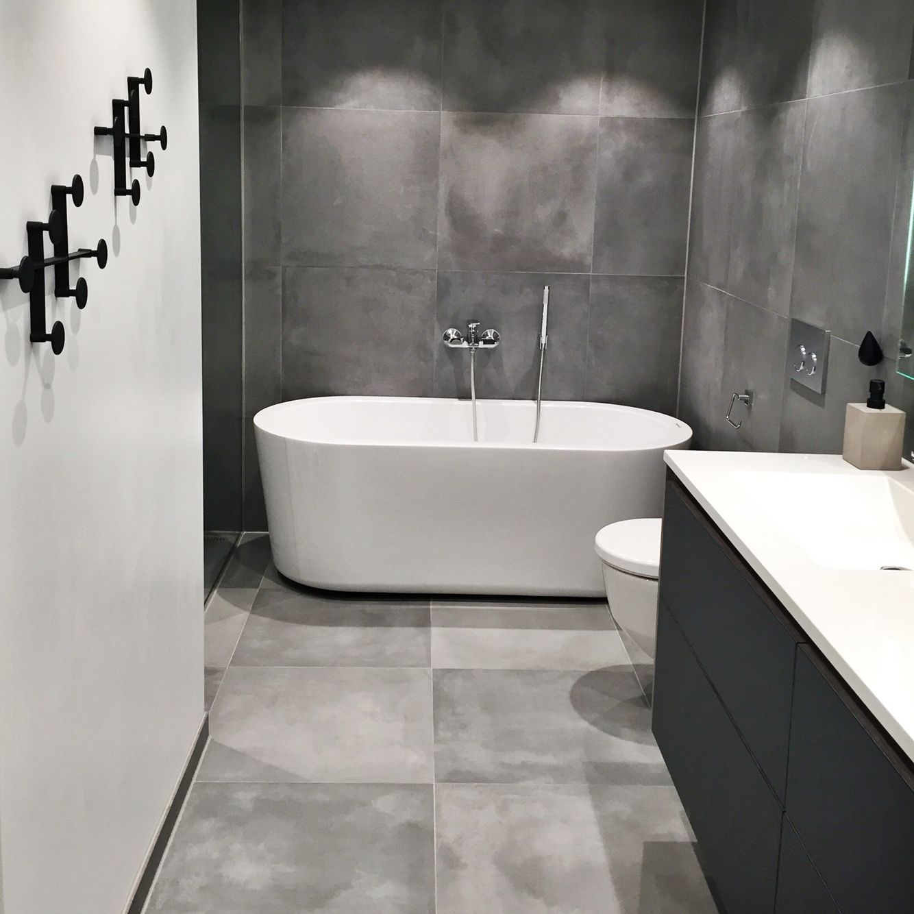 grey bathroom tile - Bathroom grey cement tiles 60x60 Badezimmer, Fliesen bathroom tile