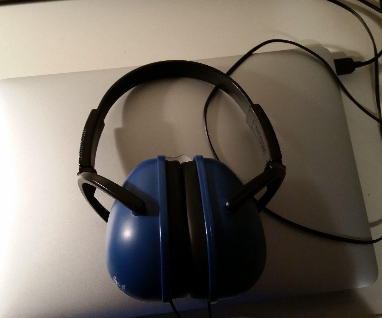 DYI Noise-cancelling Headphones | Noise cancelling ...
