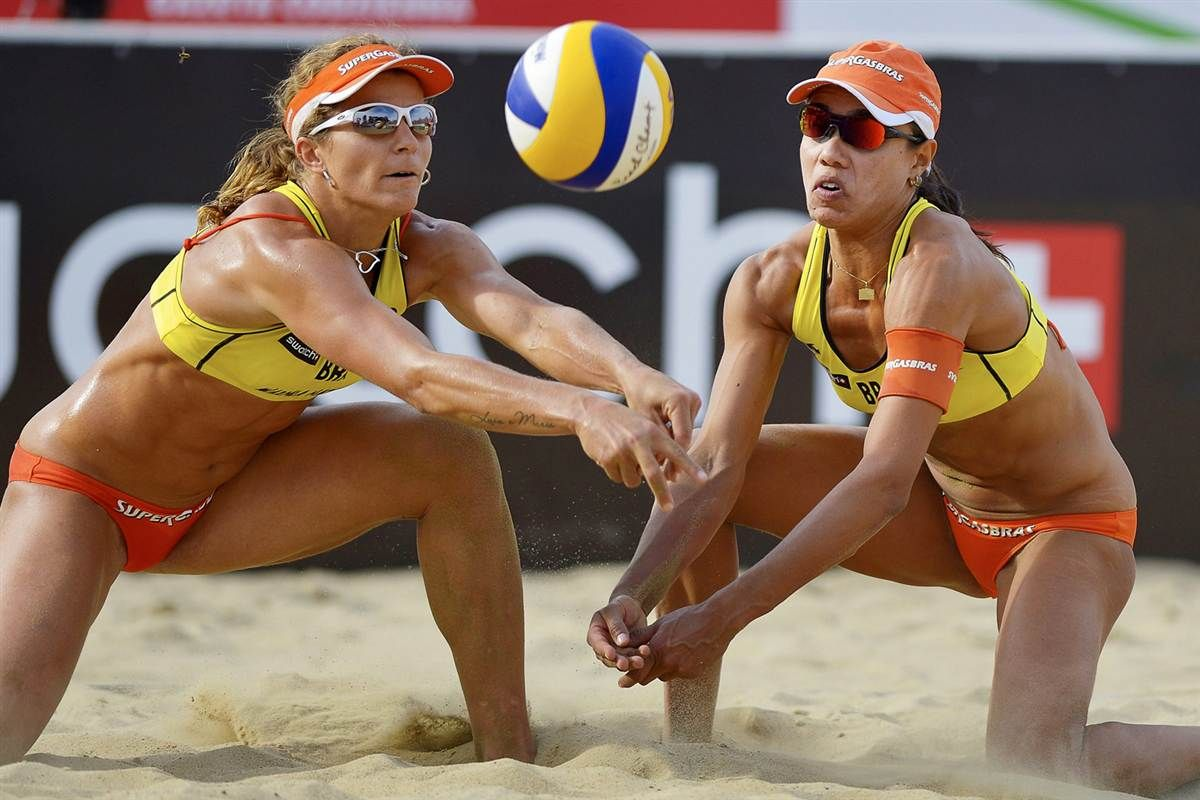 The Week In Sports Pictures Aug 13 Aug 19 The Week In Sports Pictures Nbc Sports Sports Images Sports Pictures Beach Volleyball