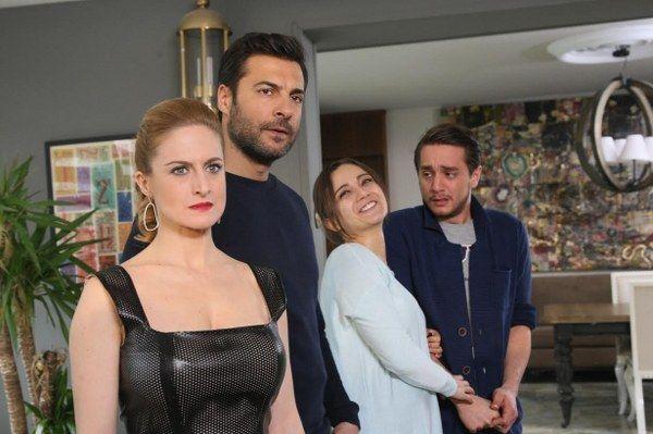 Gullerin Savasi 35 Bolum Ozeti 14 Mart 2015 Cumartesi Kanal D Http Baydizi Com Yerli Dizi Gullerin Savasi Gullerin Turkish Film Tv Series Couple Photos