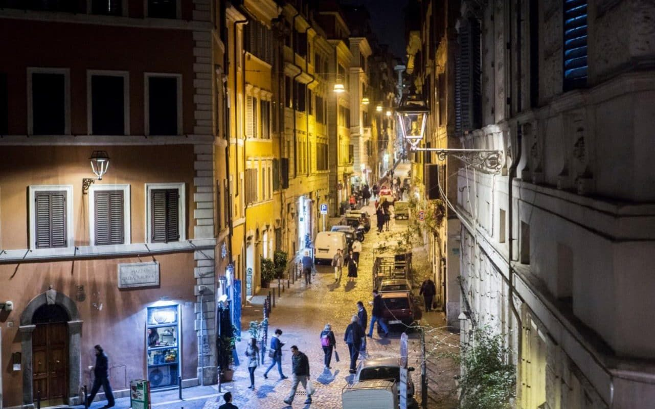 No Visit To The Eternal City Is Complete Without An Evening Stroll Along A Softly Lit Cobbled Lane Or Through A Piazza Bathed Street Light Rome Urban Lighting