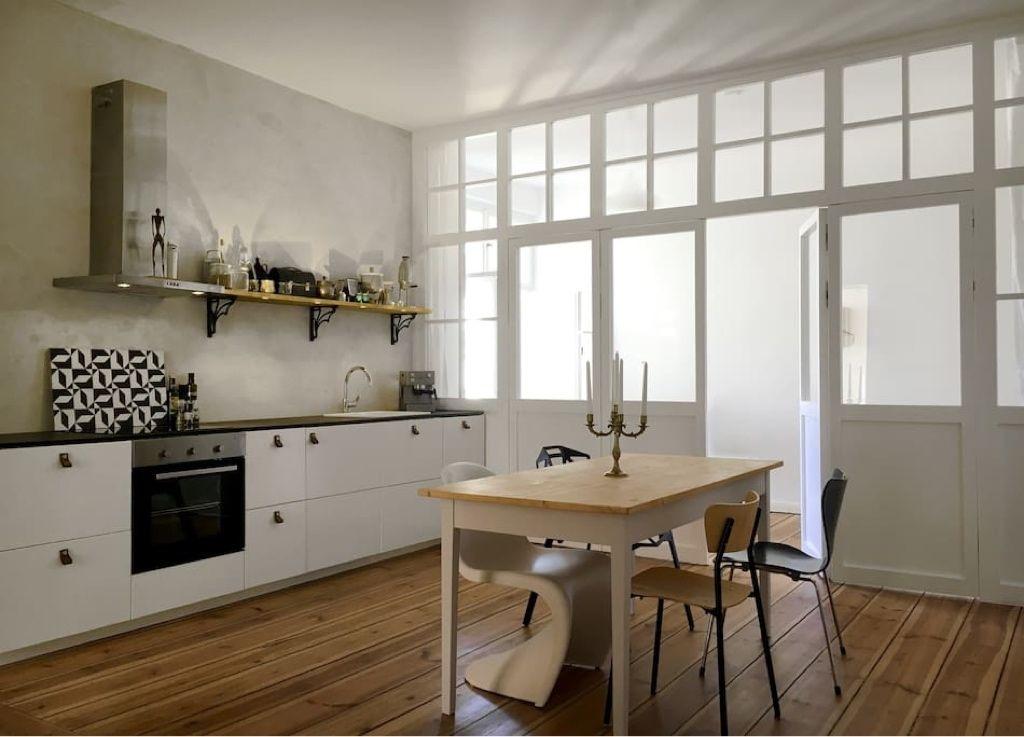 Küche in schöner Designer-Altbauwohnung in #Berlin #Friedrichshain ...