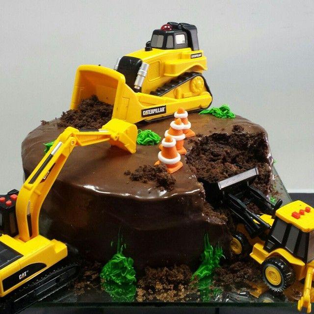 #bolo de aniversario do pai... te amo papy! #construcao #escavadeira #construtora