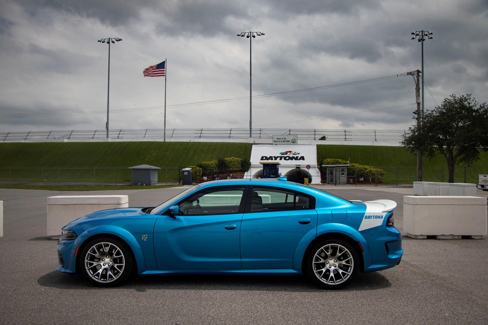 Is The Dodge Charger Hellcat A Good Road Trip Car We Took The Daytona Edition Of The 717 Hp Muscle Car To D Road Trip Car Dodge Charger Dodge Charger Hellcat