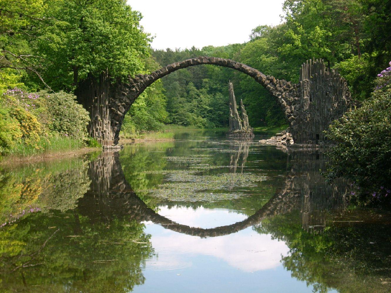 El increible puente de piedra basaltica rakotzbr cke rakotz o puente de los demonios en