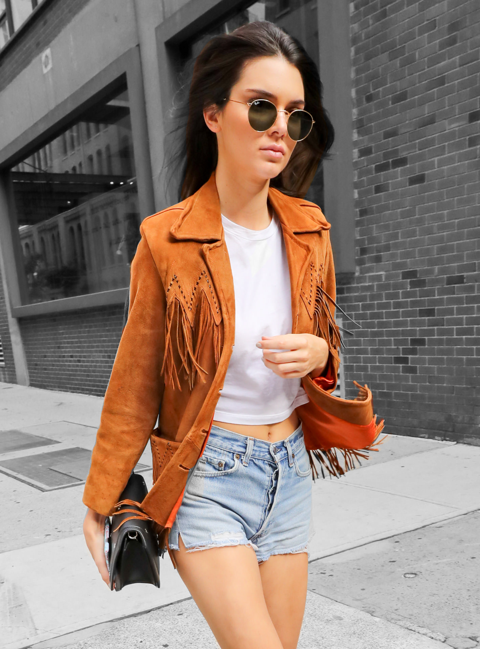 dd9cb905fb7cf3 Kendall Jenner s Latest  OOTD Is Too West Coast For Words