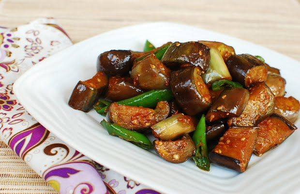 Gaji Bokkeum - Stir-fried Eggplants. Ingredients: eggplant, green chilli pepper, Korean red pepper paste gochujang, soy sauce, rice wine, garlic, sugar, sesame oil, sesame seeds, pepper. Recipe from Korean Bapsang.