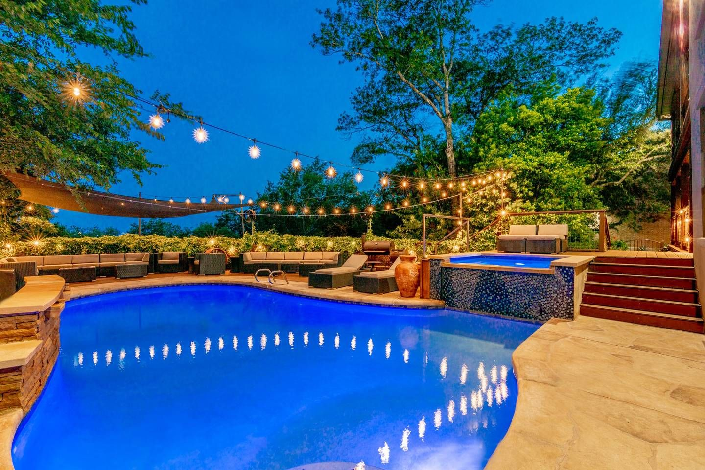 Central ATX Luxury Retreat l Heated Pool & Spa Houses