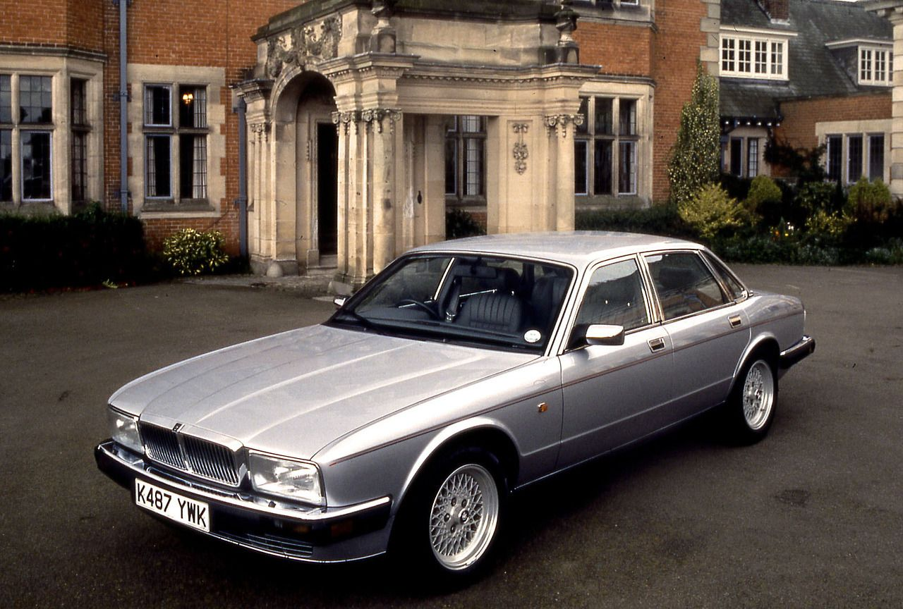 Carsthatnevermadeitetc — Jaguar XJ40 series Sovereign 4.0, 1993 | Jaguar xj40, Jaguar daimler ...