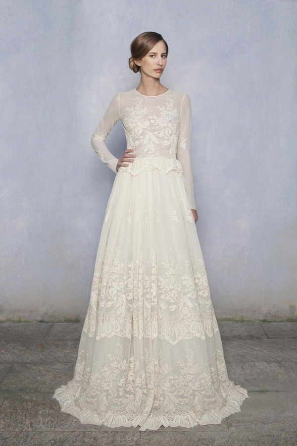 20 of The Most Stunning Long Sleeve Wedding Dresses | Simple gowns ...