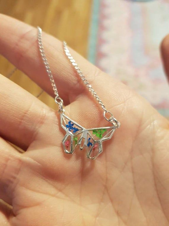 Photo of Bijou origami/bijou végétal/collier argent/papillon/ fleurs séchées/collier argent/unique/breloque origami/cadeau Noël/fait main