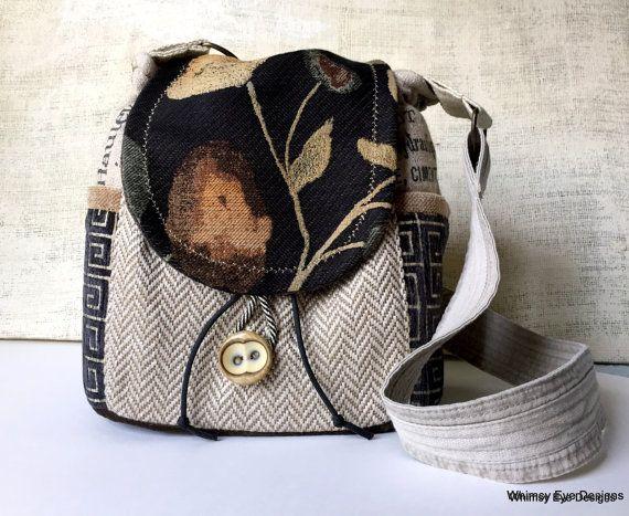 CUSTOM - MADE TO ORDER - ZIGEUNER CROSSBODY HOBO BAG!  Dieses Angebot ist für eine Sonderanfertigung Zigeuner Hobo Tasche. Die gezeigten Bilder sind repräsentativ für die Formatvorlage, die für Sie erstellt wird. Der Prozess ist... einfach, Sie wählen die wichtigsten Körperfarbe und eine Akzentfarbe und ich den Rest erledigen! Können sich nicht entscheiden, auf welche Sie Farben wollen? Schauen Sie in Ihrem Kleiderschrank... beachten Sie welche Farben Sie sehen... und gehen von dort aus…