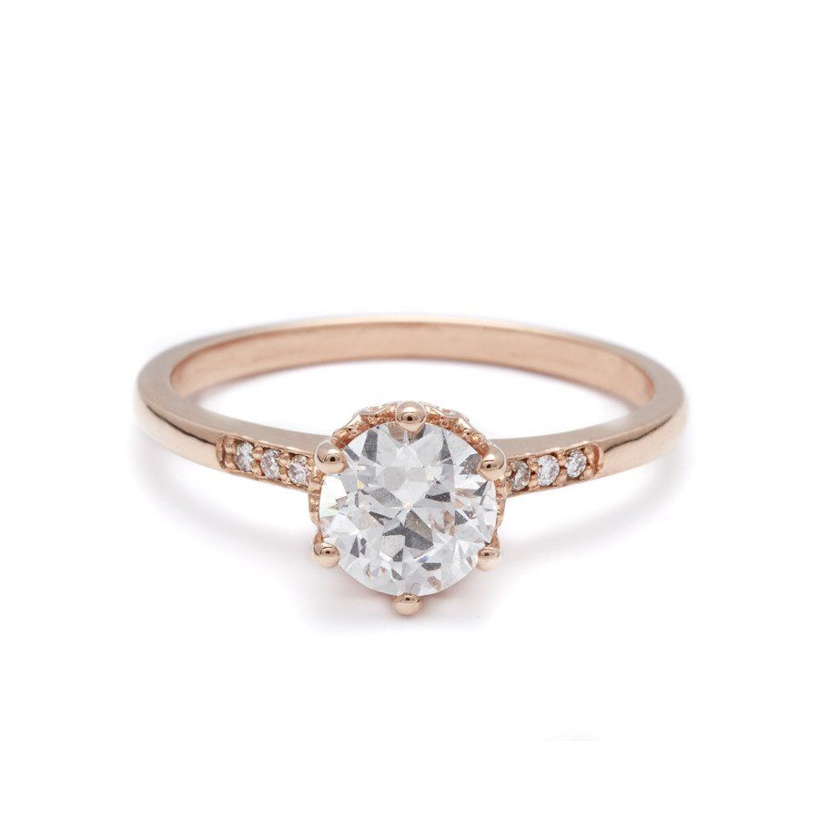 The Hazeline is a cornerstone of the Anna Sheffield ceremonial collection. A classic style with a delicate silhouette, this timeless design is based on a ring t