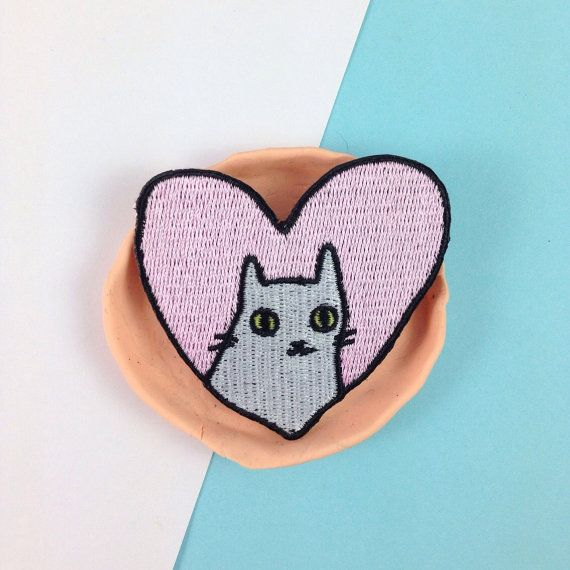 ***LOVE IT OR ITS FREE*** CAT-CATERPILLAR LOGO EMBROIDERED PATCH IRON ON F//S