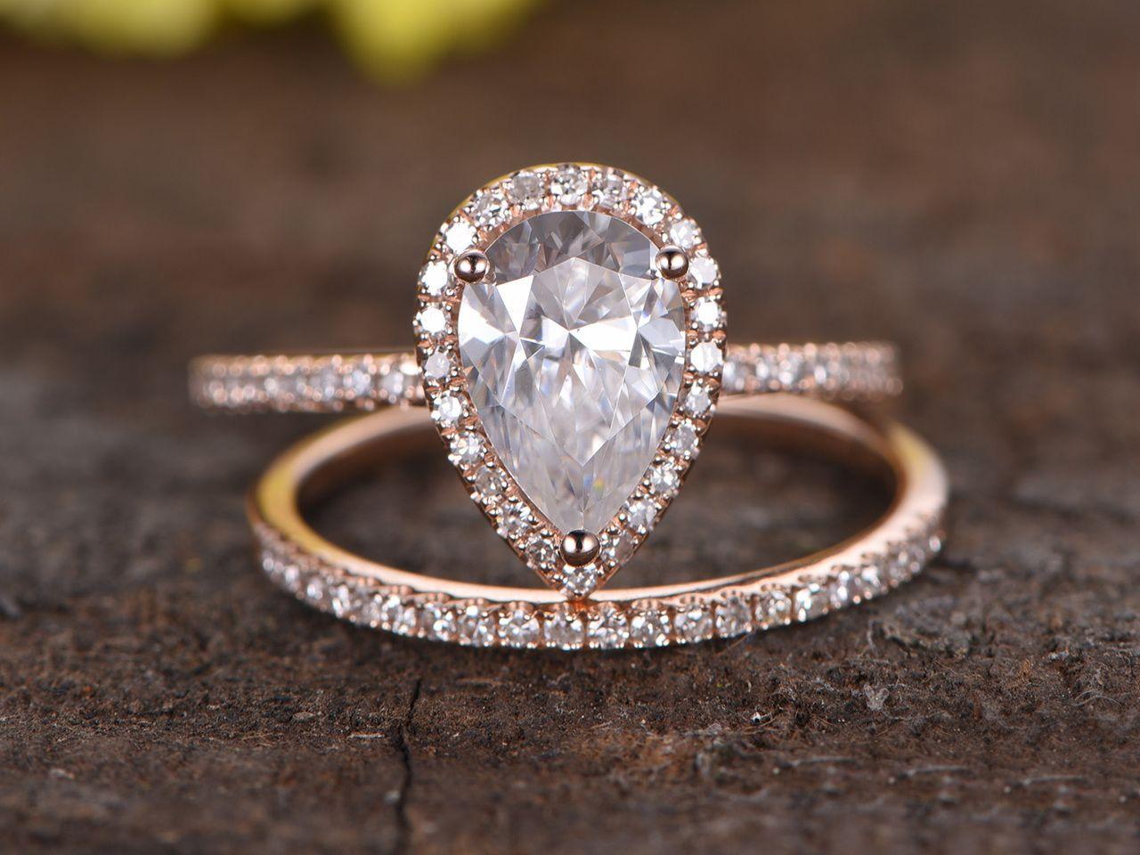 1.5 Carat Pear Shaped Moissanite Engagement Ring Set ...
