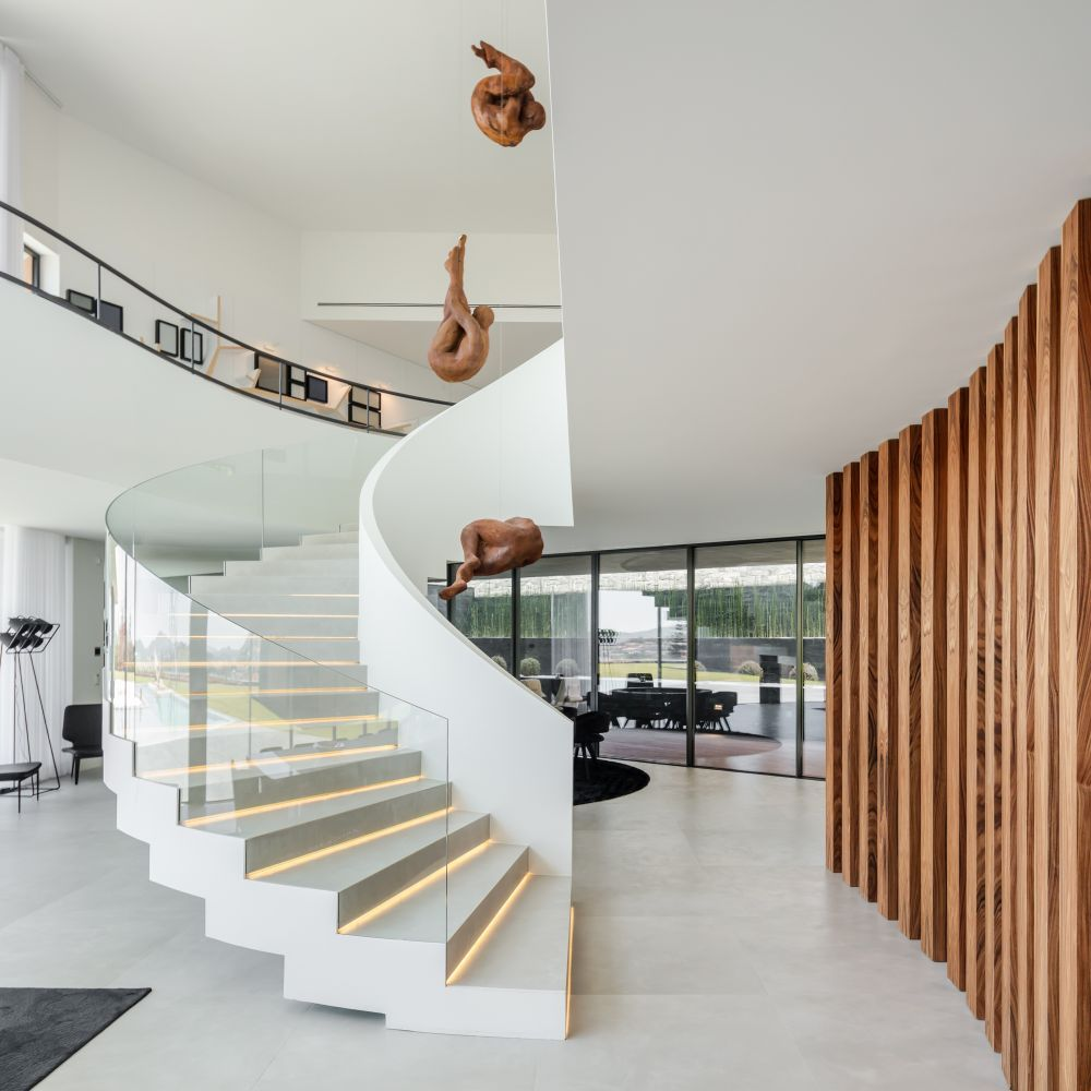 Modern V Shaped House With The Most Gorgeous Interior ...