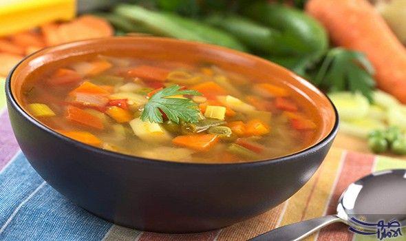 تعر في على طريقة إعداد شوربة الخضار دون لحم المكو نات جزر بطاطا كوسا رز بقدونس ملح ماء ملعقتان كبيرتان من زي Soup Recipes Vegetable Soup Recipes Veggie Soup