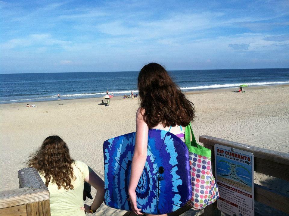 My Girls Excitedly Heading To Whalehead Beach September 2012 Obx Kids Corolla Beach Corolla North Carolina Corolla