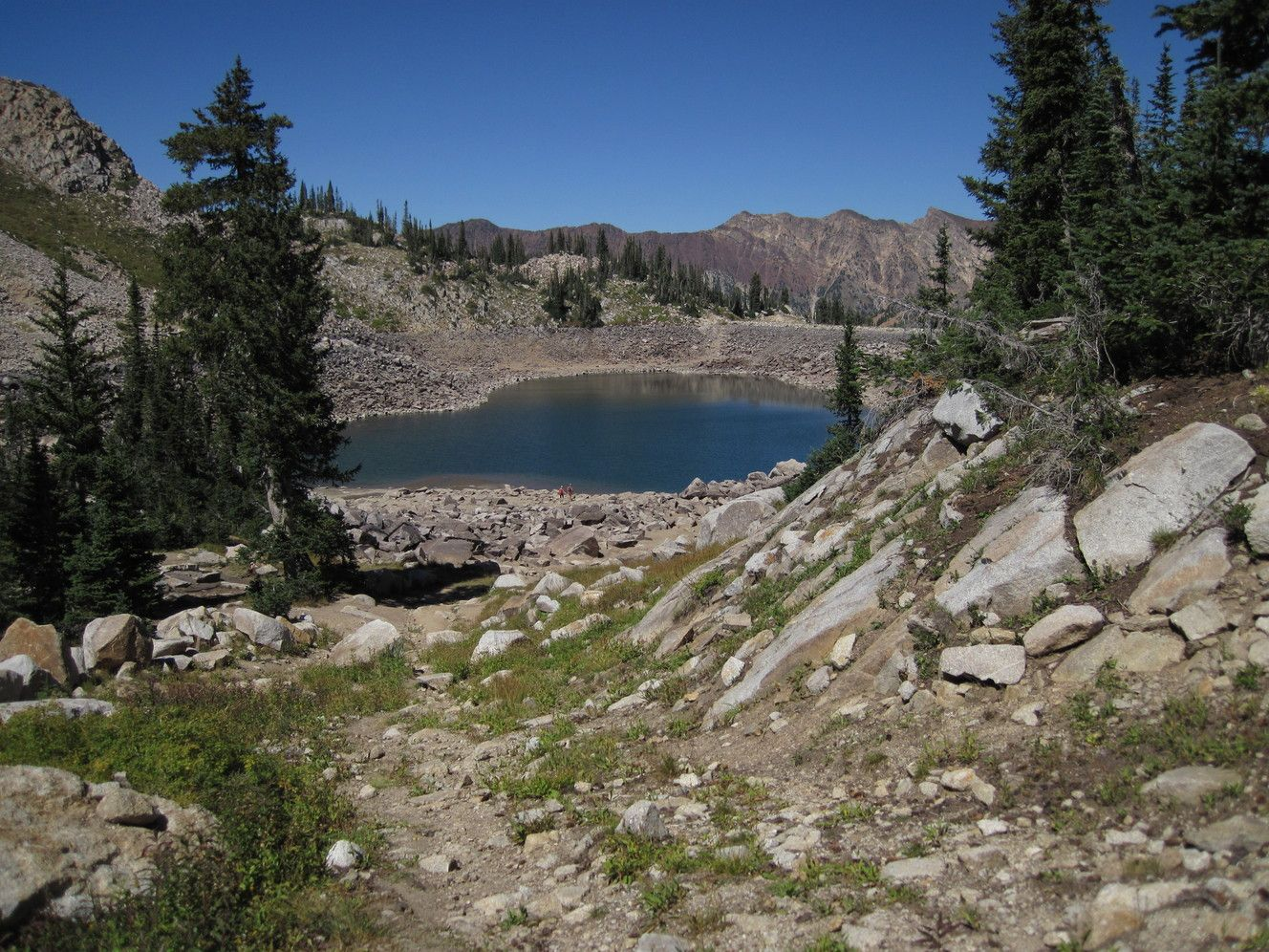 White Pine Trail leads to glacially-formed rocks ...