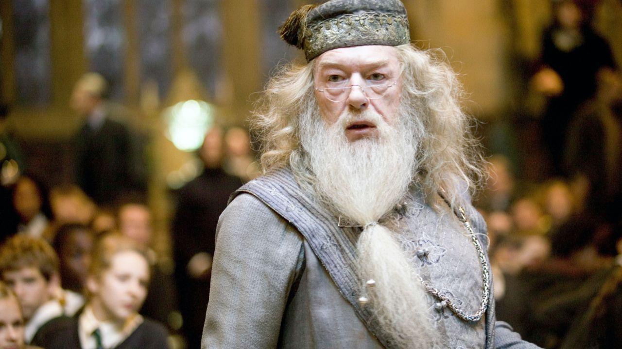 Harry Potter Quiz Zum 20 Jubilaum Was Steht Auf Albus Dumbledores Grab Harry Potter Professoren Harry Potter Film Harry Potter