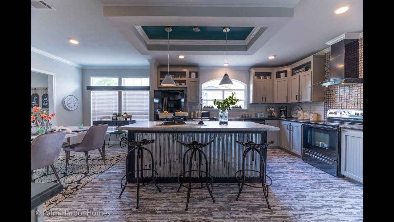 Stunning Don T Miss The New Vintage Farmhouse By Palm Harbor Youtube In 2020 New Manufactured Homes Modular Homes Manufactured Home
