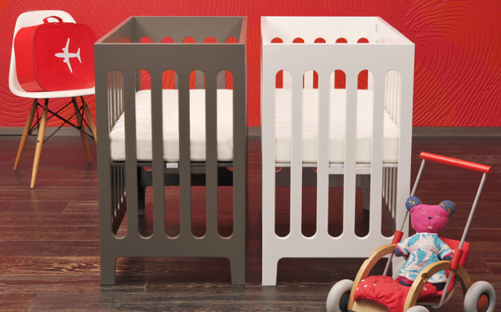 A Baby Crib That Works In Smaller Spaces | Muebles para bebe, Gemelo ...