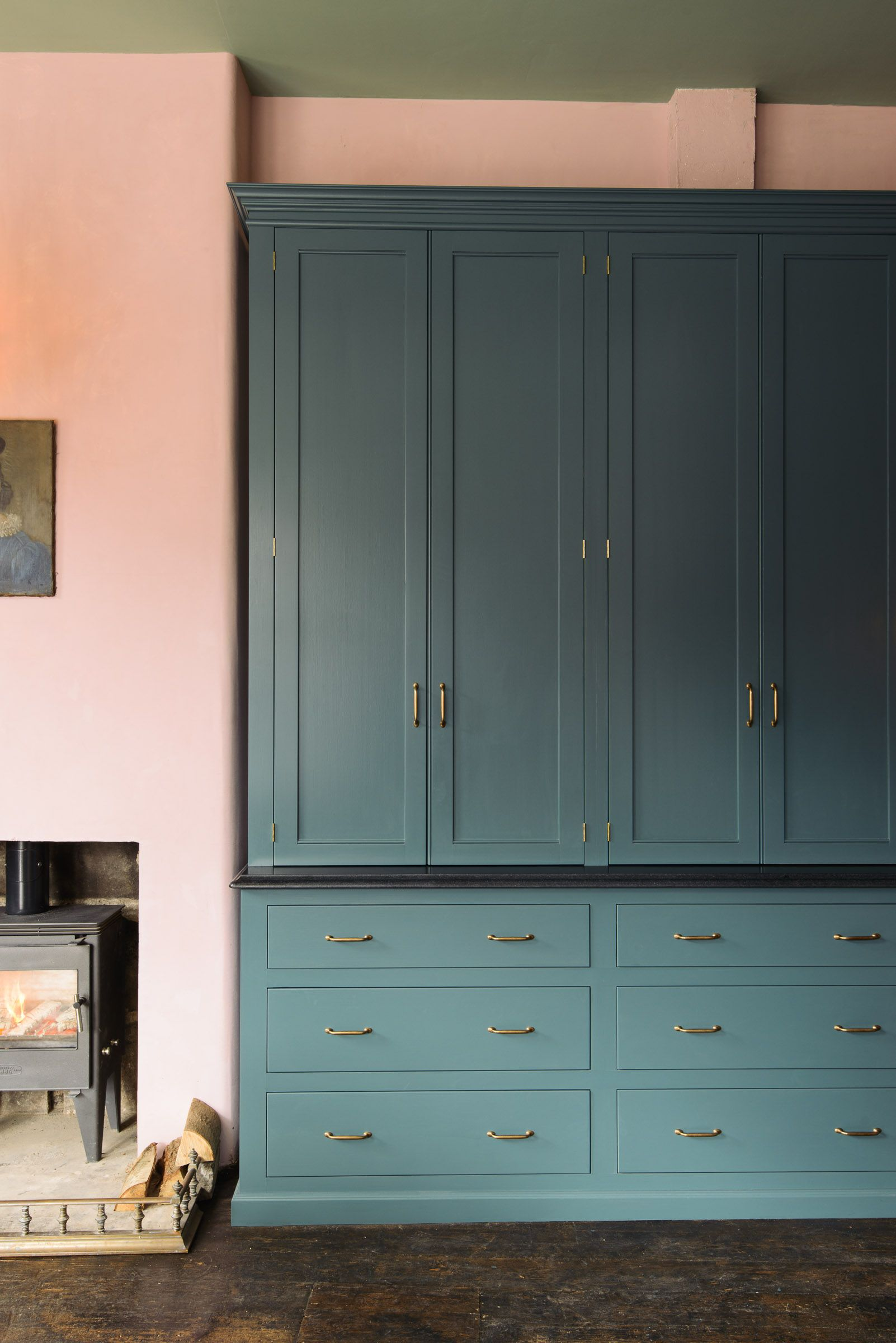 Our classic english kitchen furniture is completely bespoke and can
