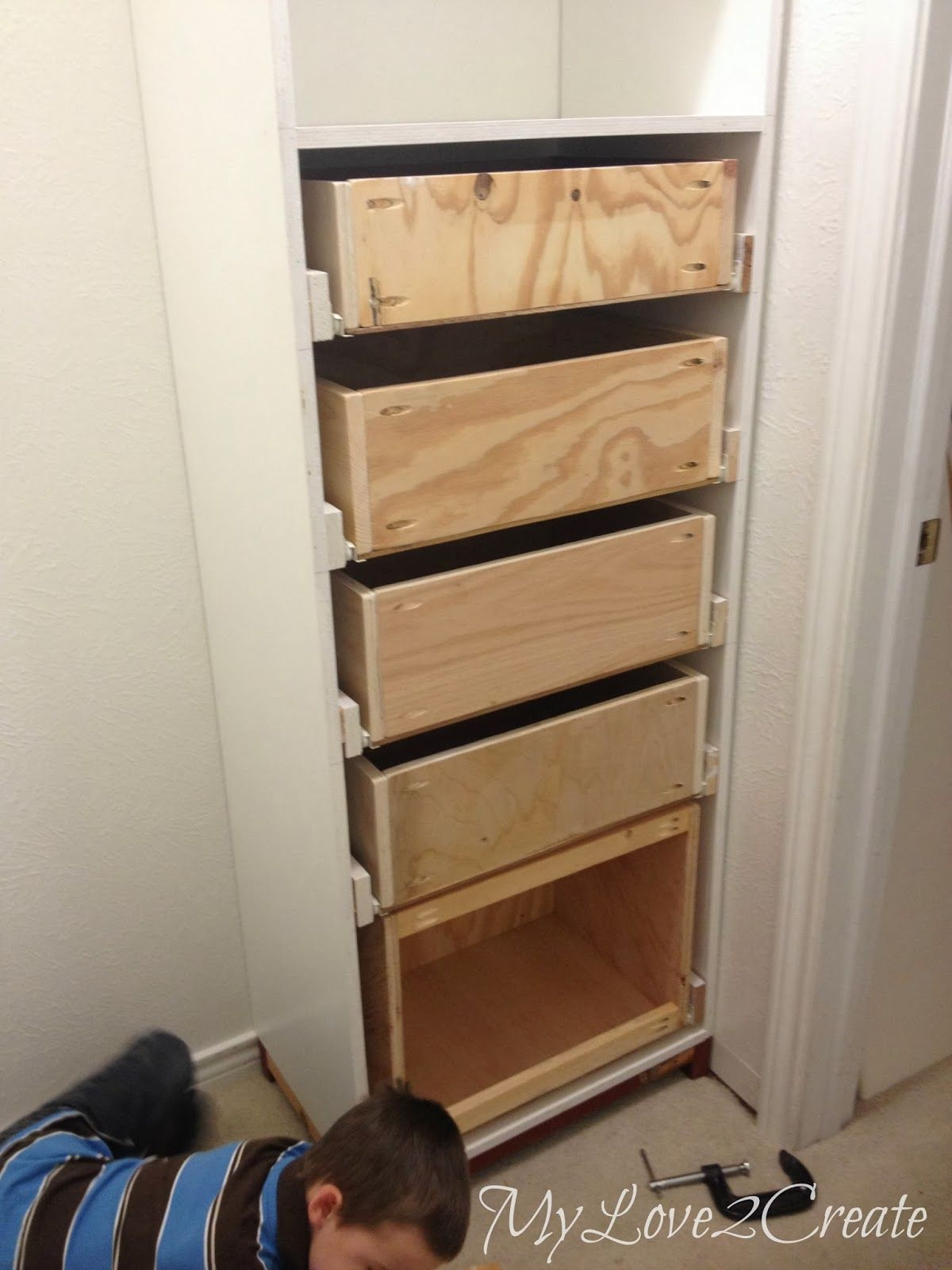 Master closet tower with drawers my love 2 create on for Diy master closet ideas