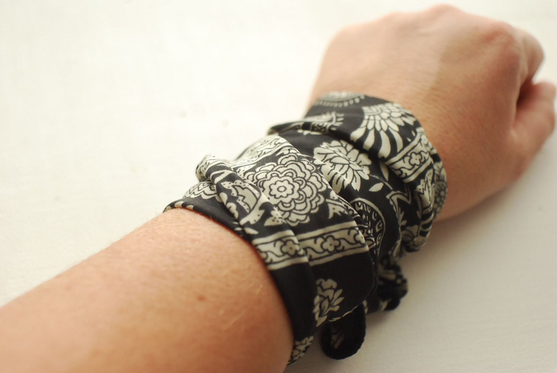 Rockabilly Black Bandana Print Wrap Bracelet Iron Wire Wrist Wrap ...
