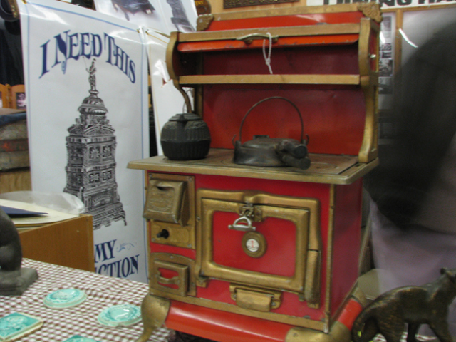 A Haven for Vee: a saleman's miniature stove sample