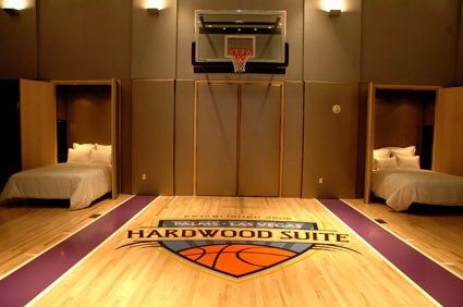 Delicieux Bedroom Design, Basketball Court Two Beds: Boys Sport Bedroom Ideas With  Basketball Mini Court