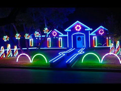 Family Turns Their San Antonio Home Into An Amazing Dubstep Christmas Light Show For Charit Best Christmas Lights Outdoor Christmas Lights Christmas Light Show