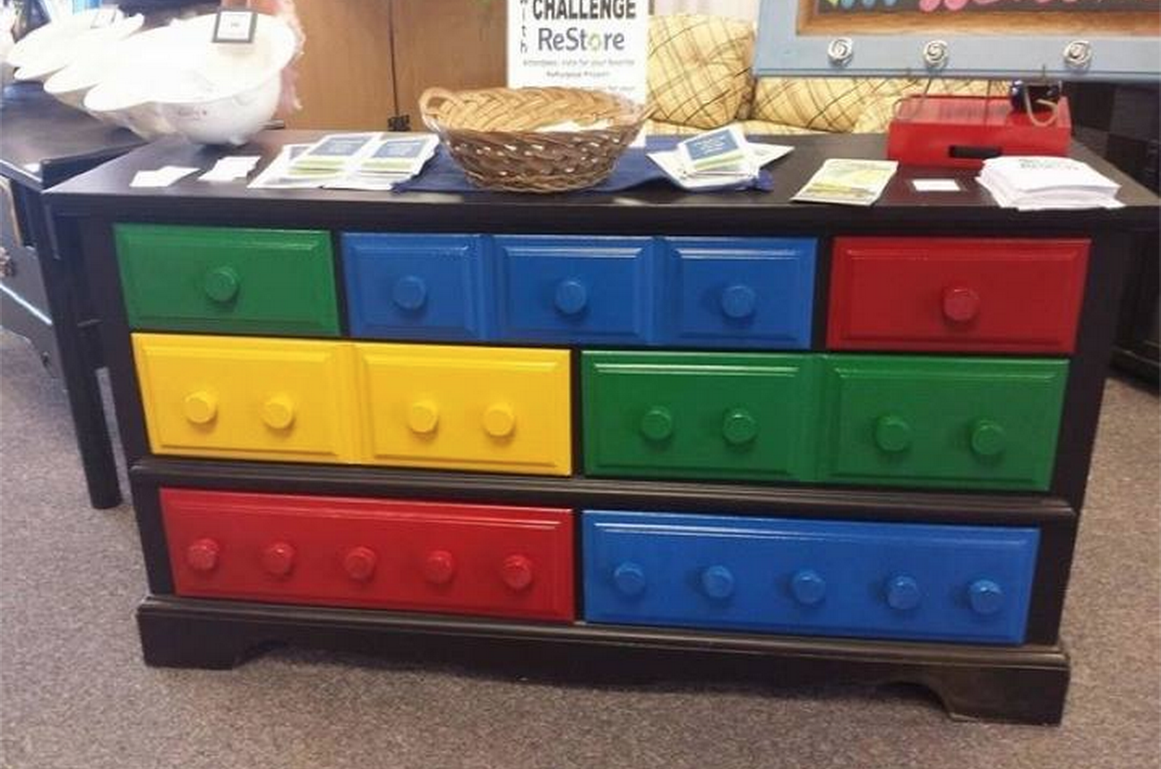 Lots of great ideas for Lego fans - crafts, baking furniture
