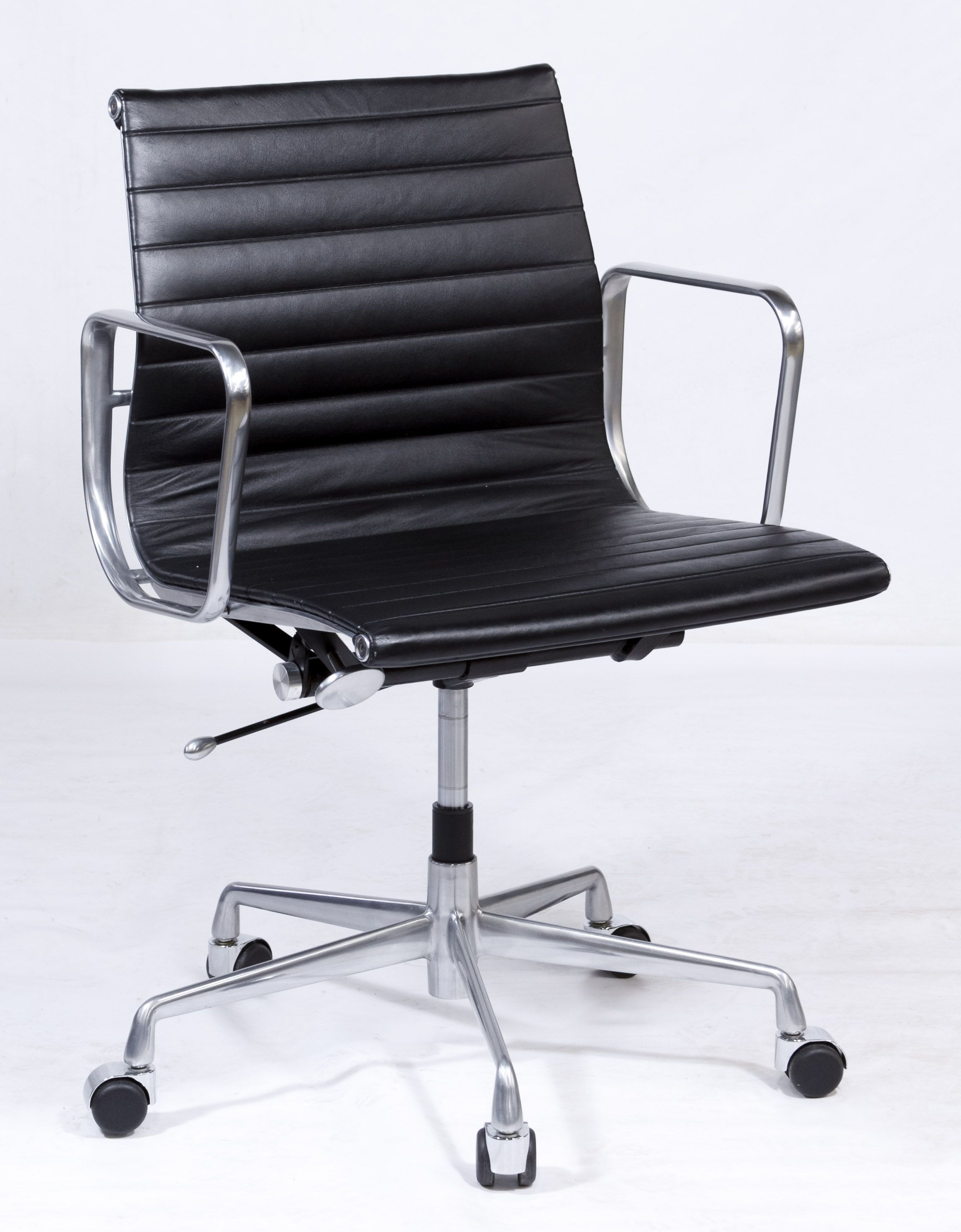 Lot 64 Mid Century Modern Office Chair By Eames For Herman Miller