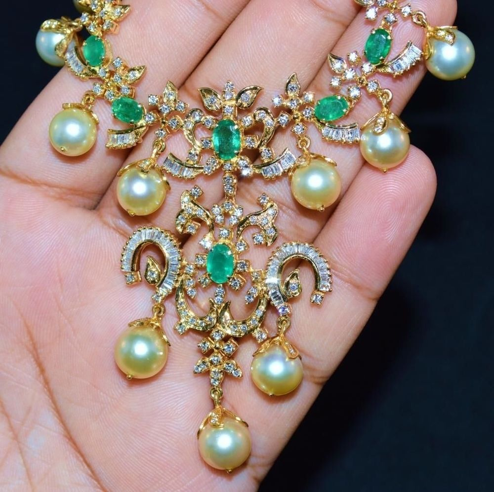 Certified natural cts vs g diamond emerald k gold south sea