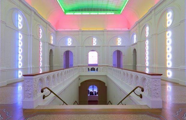 Dan Flavin - 20 Incredible Artists Using Neon | Complex