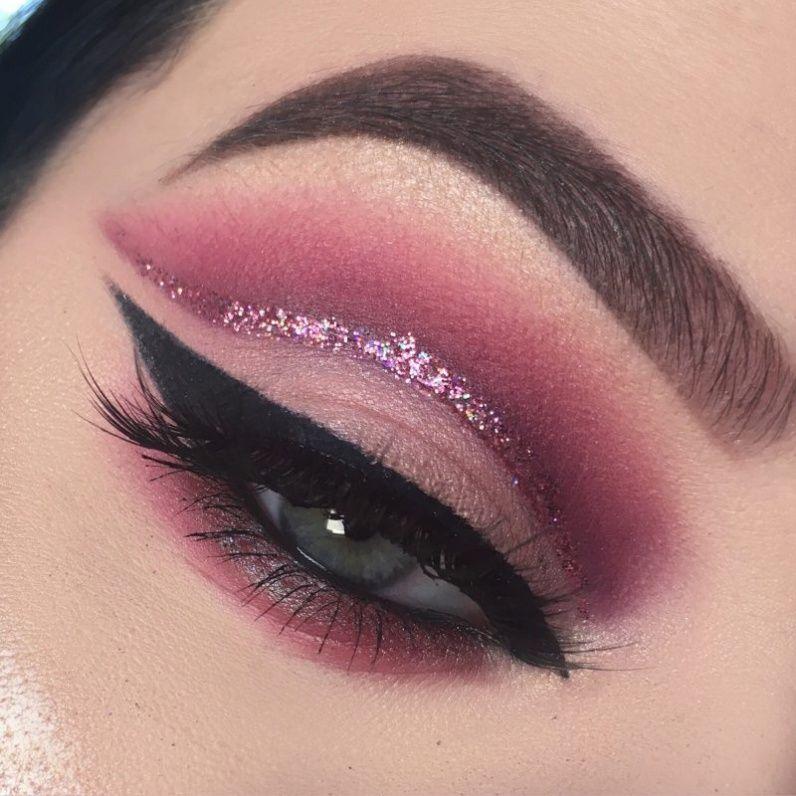 Cranberry Glitter Cut Crease Makeup Tutorial | Cut crease makeup ...