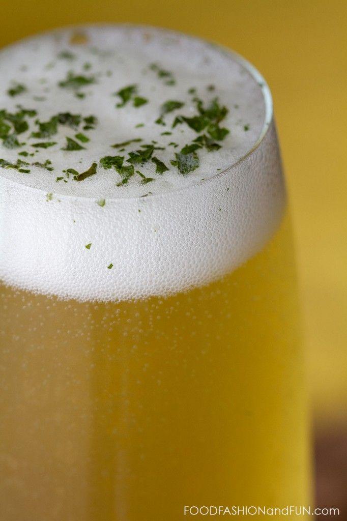Lemon Verbena Honey Spritzer #drink #cocktail #champagne