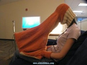 need to make this -- only with light weight fabric so i can use it to work outside during the summer (the sun's reflection makes it hard to work on the computer outside)