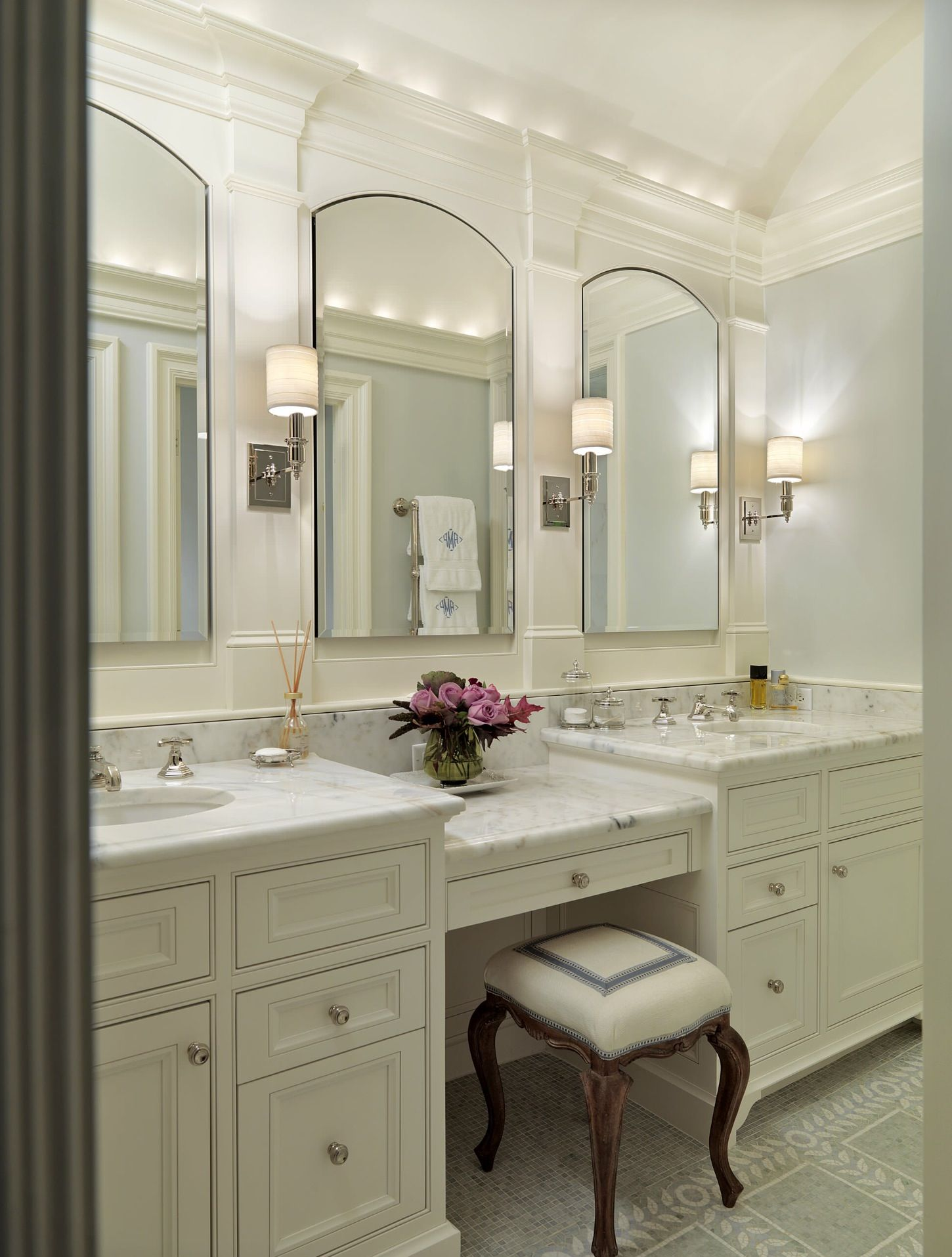 Double Sink With A Vanity Bathroom Remodel Master Master Bathroom Vanity Traditional Bathroom