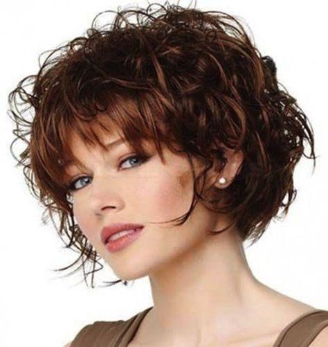 La frangia con i capelli ricci