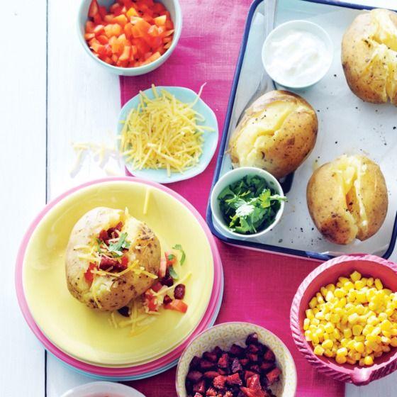 Gepofte aardappel met weekendtoppings